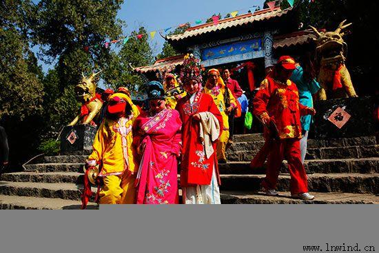 4月9日,恰逢三月三,一场盛大的庙会活动在蒙阴县九女山风景